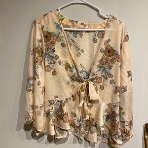 Floral front tie blouse 💕🌼